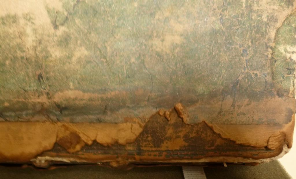 16th or early 17th century binding